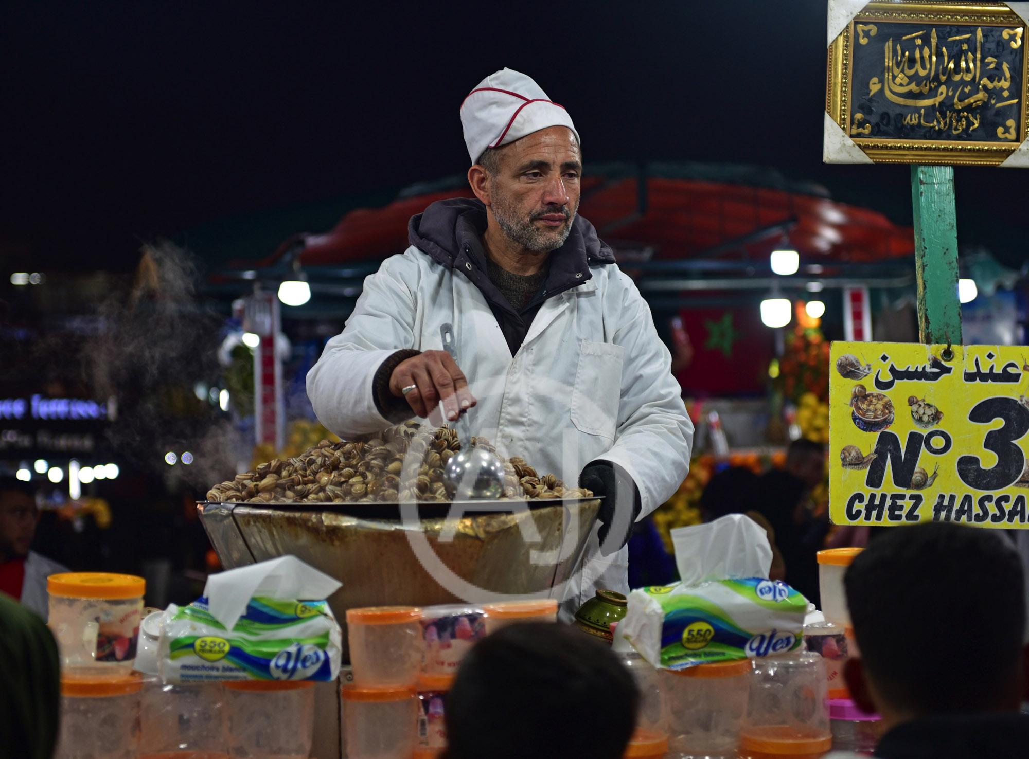<i>Djemaa El Fna,  Marrakech (Morocco)<i>