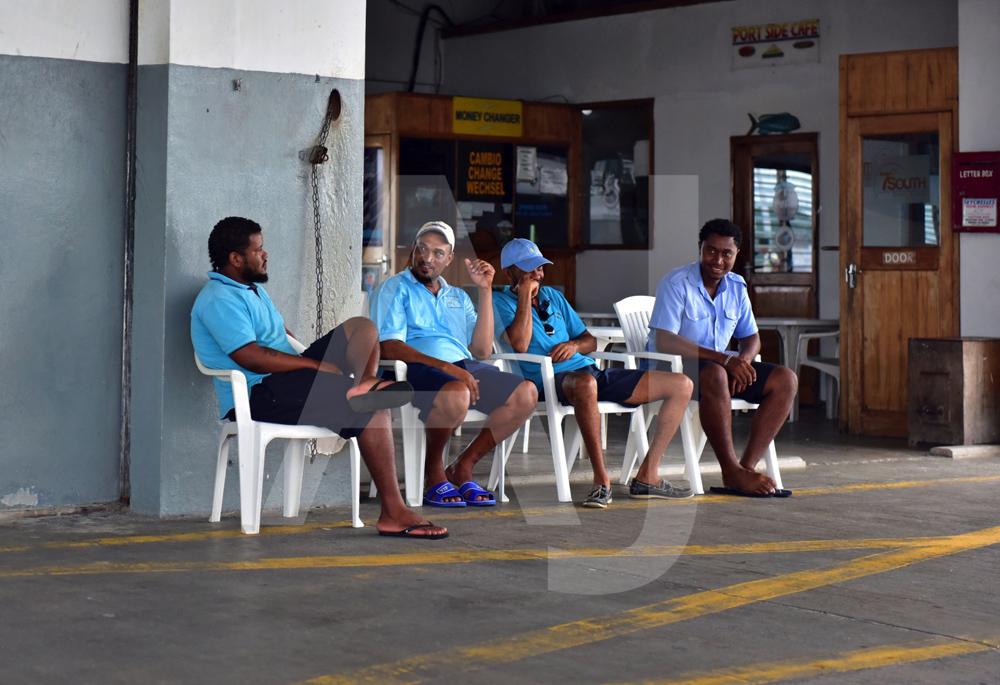 <i>Ferry Harbour, Praslin (Seychelles)<i>
