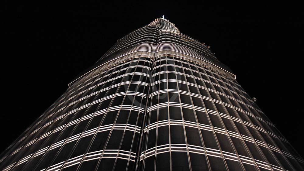 <i>Burj Khalifa, Dubai (UAE)<i>