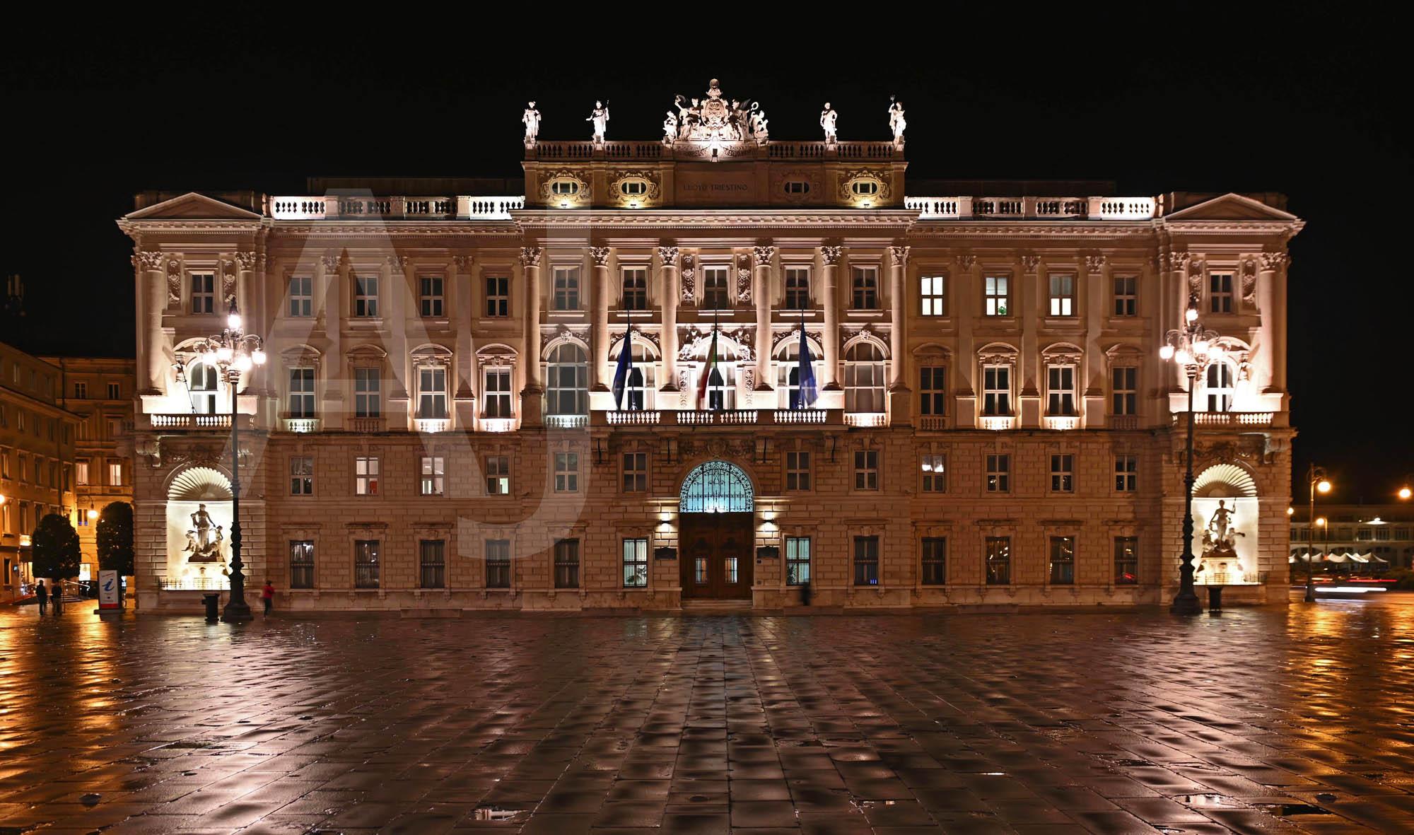 <i>Palazzo del Lloyd Triestino, Trieste (Italy)<i>