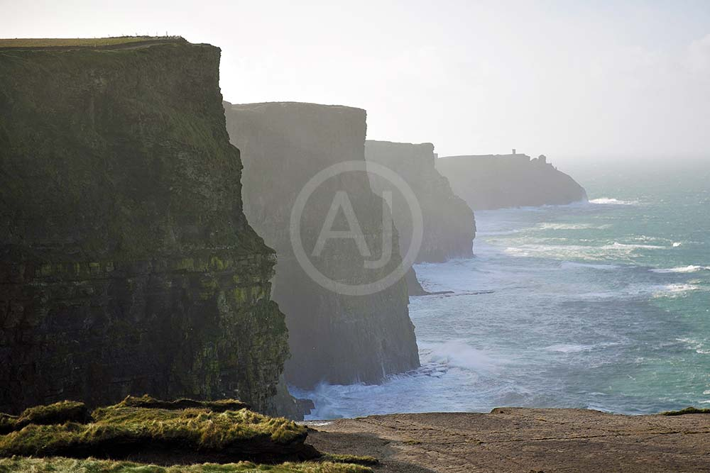 <i>Cliffs of Moher, Irland<i>