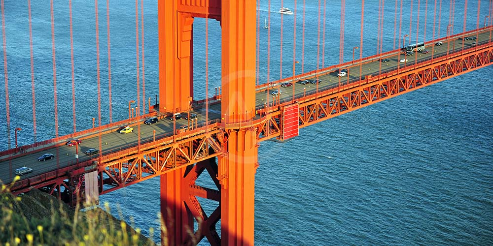 <i>Golden Gate Bridge, California (USA)<i>