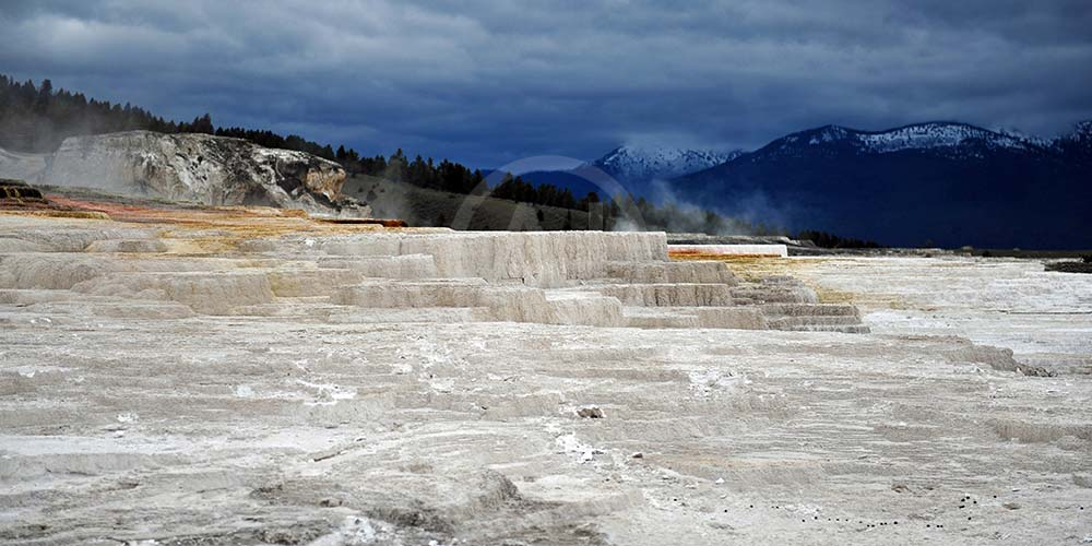 <i>Mammoth Hot Springs, Wyoming (USA)<i>