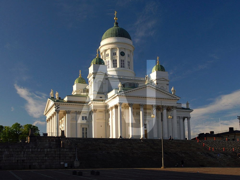 <i>Helsinki Cathedral (Finland)<i>